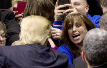 Clinton rape victim Paula Jones at Trump rally VIDEO