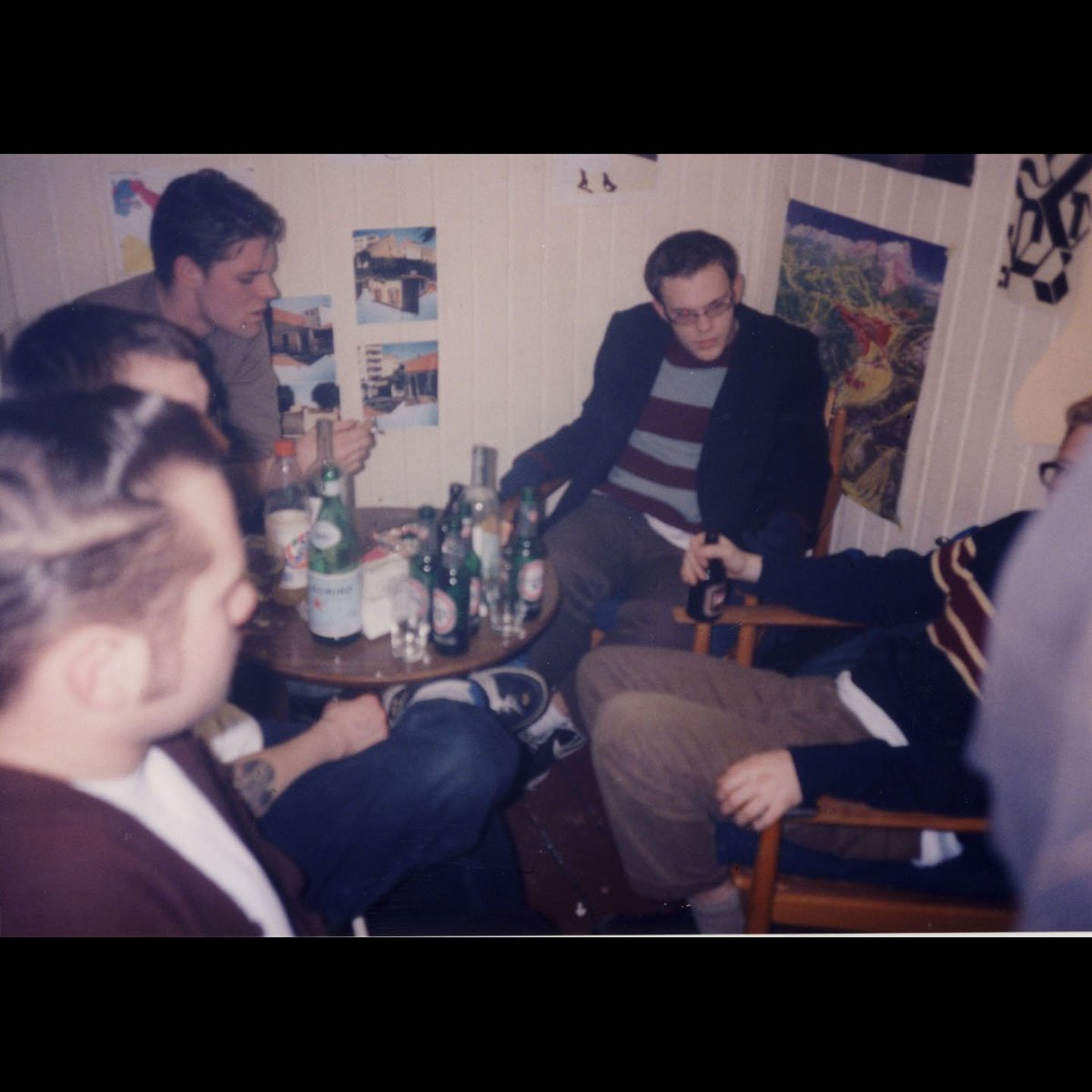 Feb 7, 1998: The Get Up Kids, backstage in Berlin, Germany. #onthisdayin https://t.co/k7BaXcXOdQ