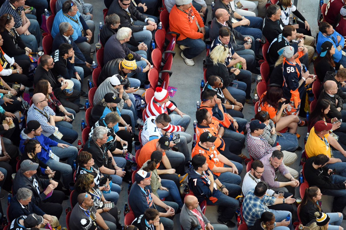 The @USATODAY photographer wins for finding him at SB50