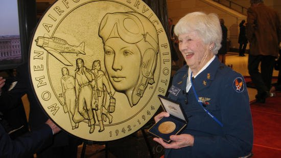 Should WW2 women pilots, known as WASPs, be buried at Arlington? Many say yes