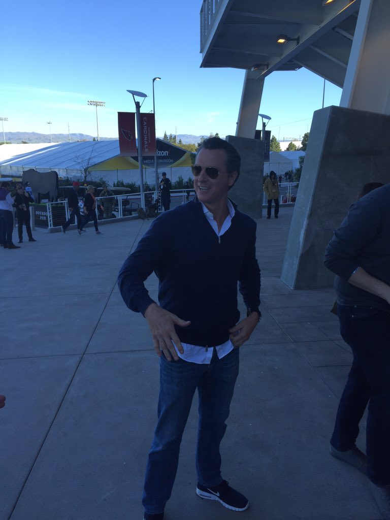 @GavinNewsom just arrived for the SuperBowl. Check out our online press pass: sb50