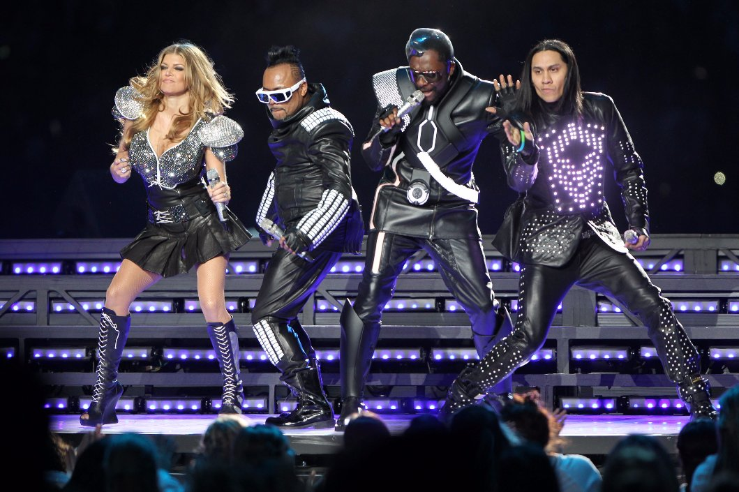 Today also marks the 5th anniversary of the @blackeyedpeas ending their career at the #superbowlhalftime #SuperBowl https://t.co/uchhOuxvX1