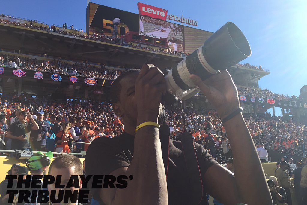 Kevin Durant got credentialed to photograph #SB50 for @PlayersTribune https://t.co/p8BXlOxA5X