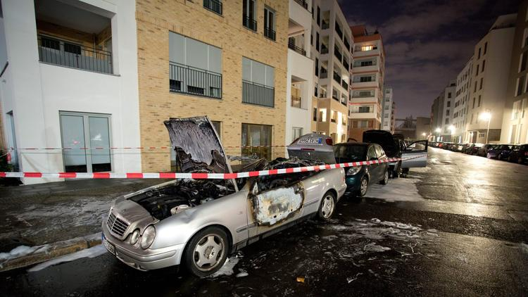 A bicycle gang is setting luxury cars on fire in Berlin