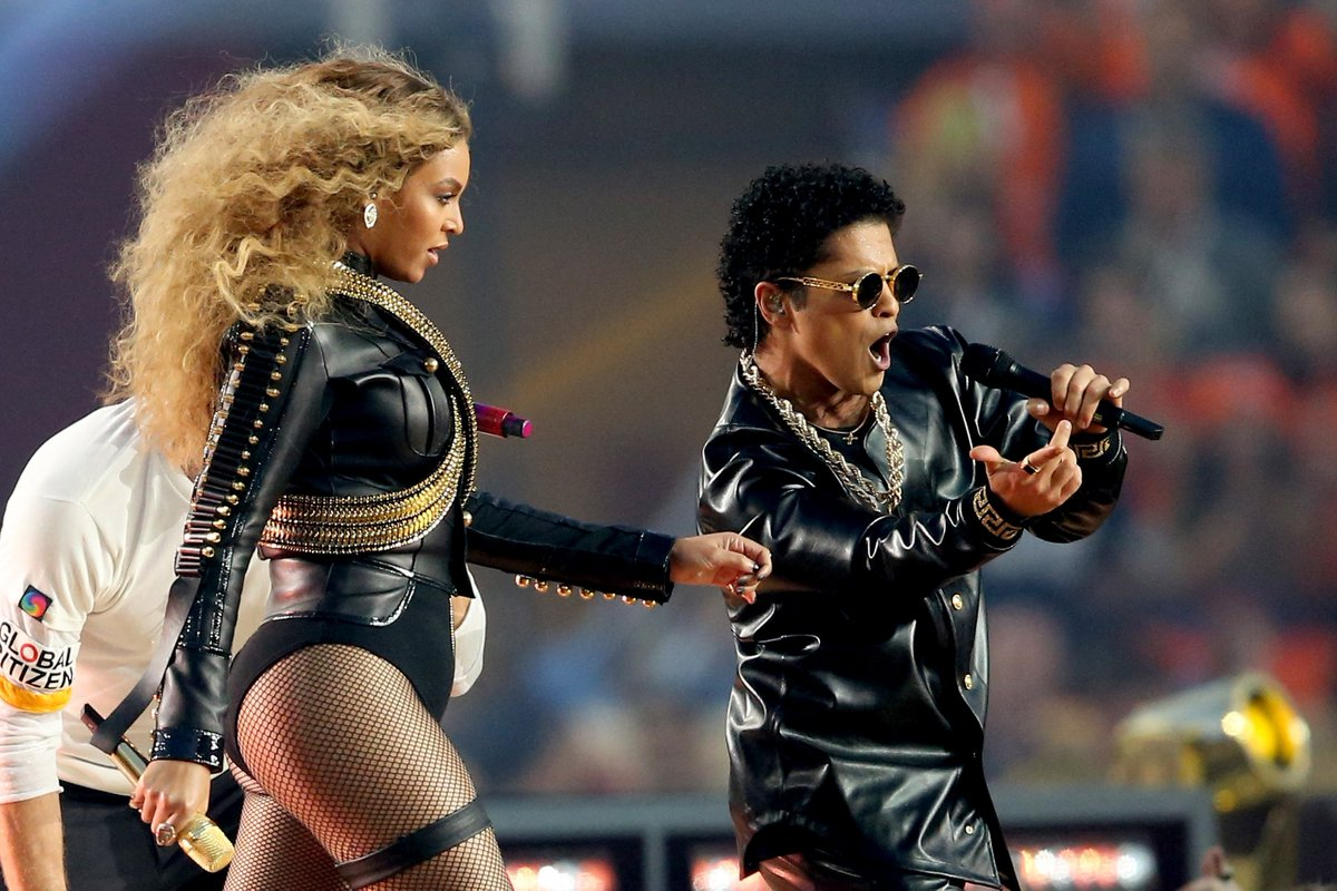 What did you think of Beyonce's performance w/ Bruno Mars? SB50 CBSLA (credit: Andy Lyons/Getty Images)
