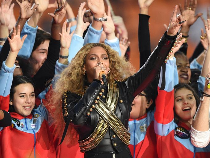 .@Beyonce to go on 2016 Formation tour. May 7, she performs in H-town! QueenBey