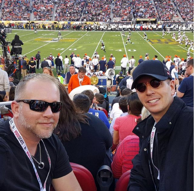 Late-arriving Super Bowl fans brag about wealth, complain about Uber driver