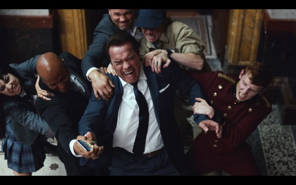 RT @HollywoodLife: Arnold Schwarzenegger blows things up in his #SB50 ad for Mobile Strike. Watch: https://t.co/TVwKOAwQyk https://t.co/YxK…