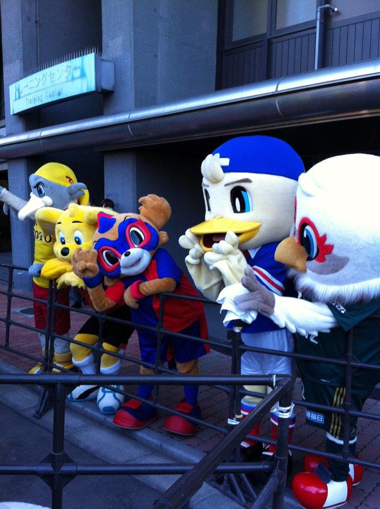 そんな中、手を振ってくれたFC東京のマスコット・東京ドロンパ。かわいいのう。   #東京ドロンパJマスコット総選挙 https://t.co/KRt98SoWmu
