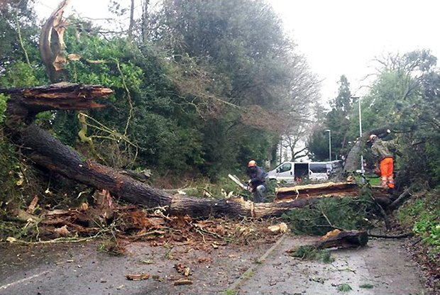 Latest pictures from across the Westcountry as #StormImogen sweeps in https://t.co/v4fxTaTnLx #Devon #Cornwall https://t.co/ba3HhzhYqm