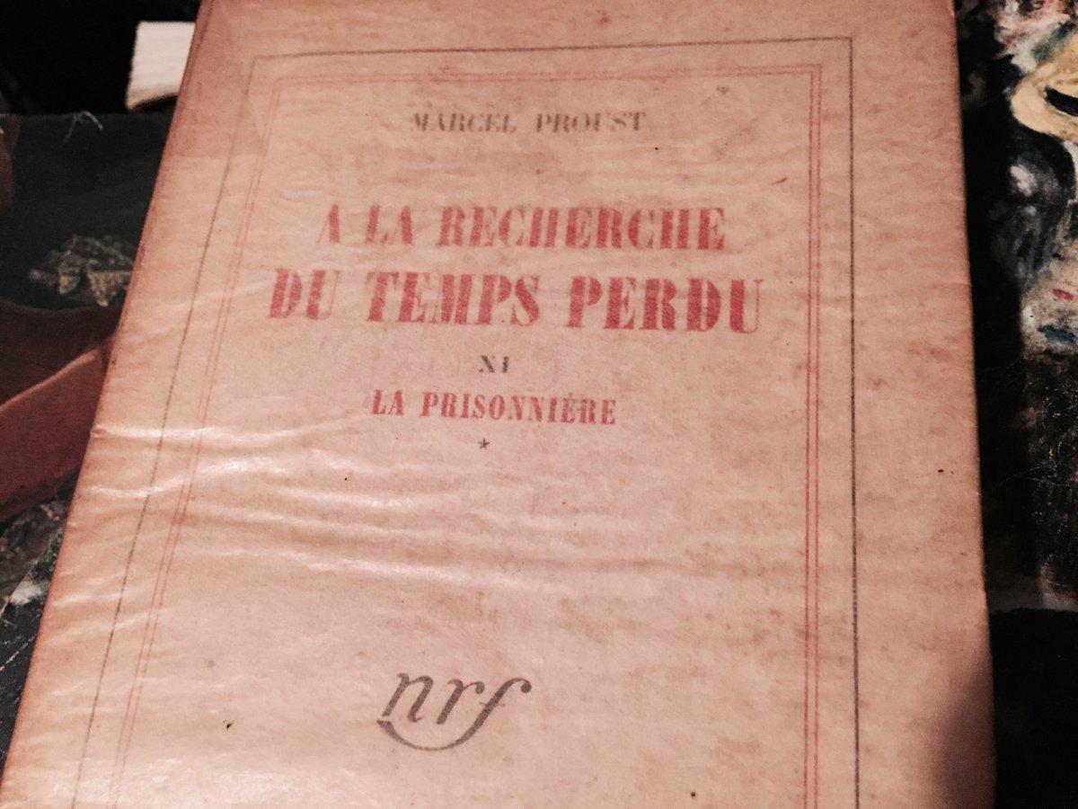 """Il y a aussi """"A la recherche du temps perdu"""" de Proust, même si ce n'est pas dans ce tome qu'il parle des madeleines https://t.co/3cnJ4sR8ay"""
