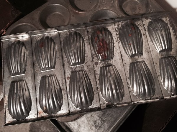 So, yes, in Madeleine's cellar, there's a tin dedicated to baking… madeleines #MadeleineprojectEN https://t.co/PIlGGttSEM