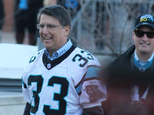 Gov. McCrory involved in minor car accident after Super Bowl
