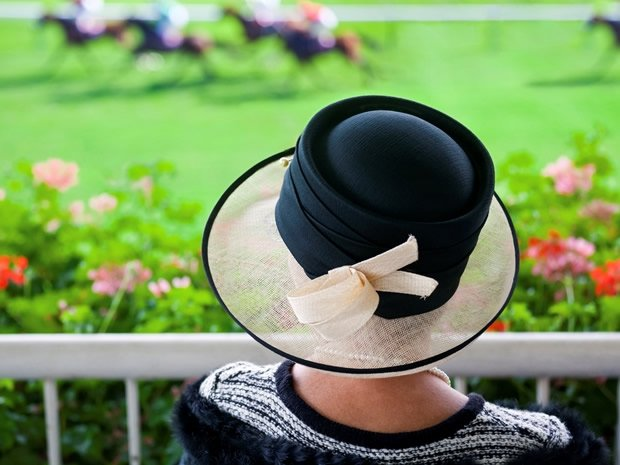 #WIN a pair of tickets to Ladies Day @CheltenhamRaces. Simply RT & follow @SoGlos to enter. https://t.co/bHuwBcCCcr https://t.co/2QPAK7Zj45