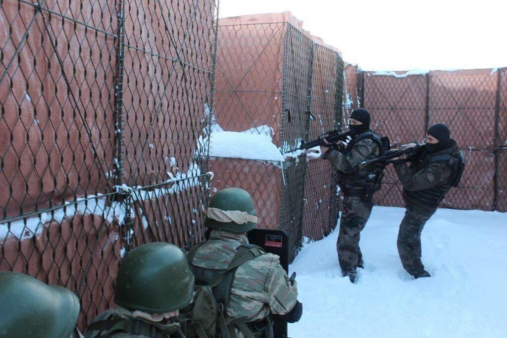 """تعرّف أكثر على القوات الخاصة في الجيش التركي """"كوماندو"""" CasDTV9UkAATkXd"""