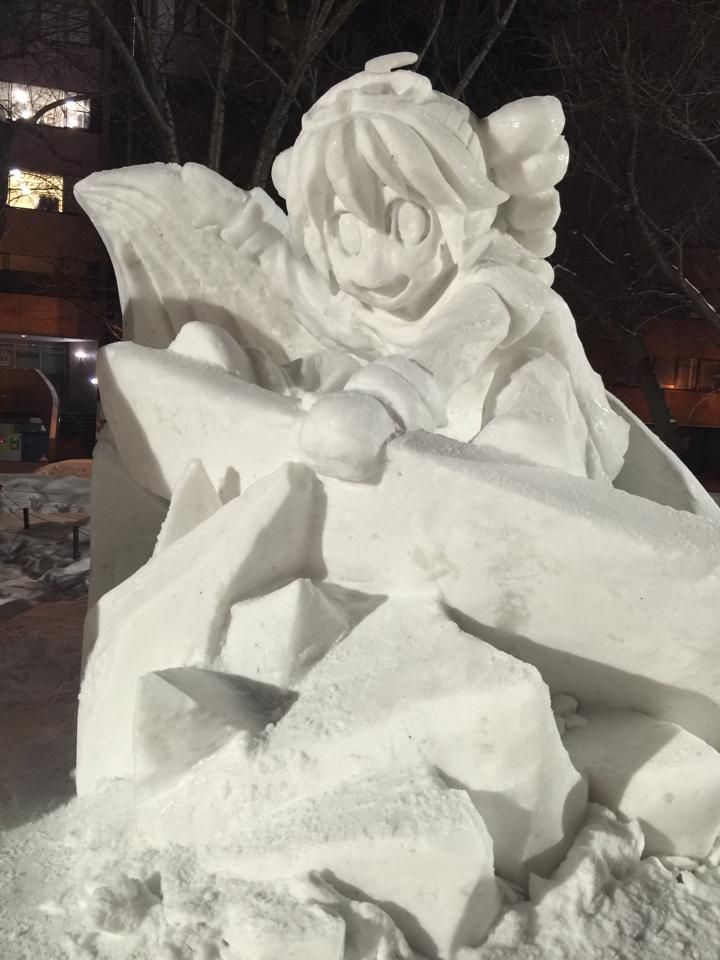 雪をほろったら輝き出した。不死鳥か雪テト。 https://t.co/xk8KRLysxX