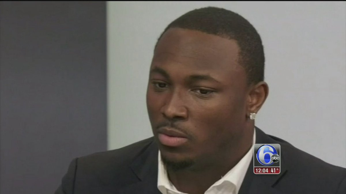 Police: Off-duty cops seriously injured in assault; Sources say LeSean McCoy involved
