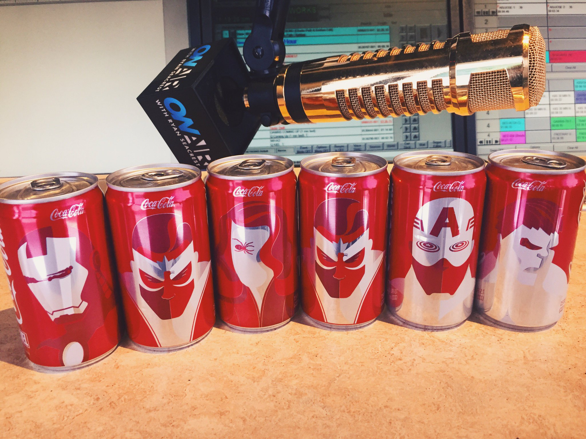 love these Coca-Cola Marvel Mini Cans that showed up at my door. Follow @CocaCola for clues to get ur own #CokeMini https://t.co/IrnUXklYGQ
