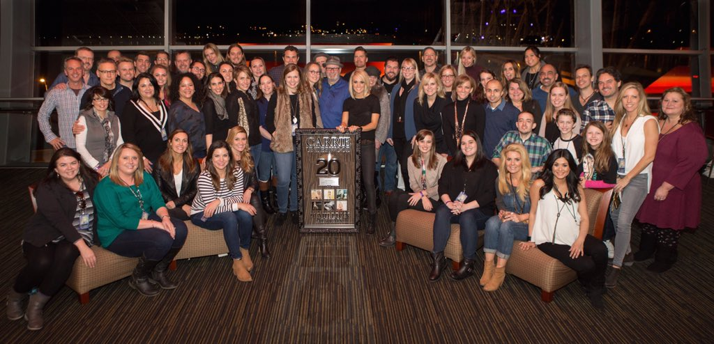 Congratulations to @CarrieUnderwood on 20 MILLION ALBUMS SOLD! https://t.co/frxXJTl2hn https://t.co/fg7lA0pnhV