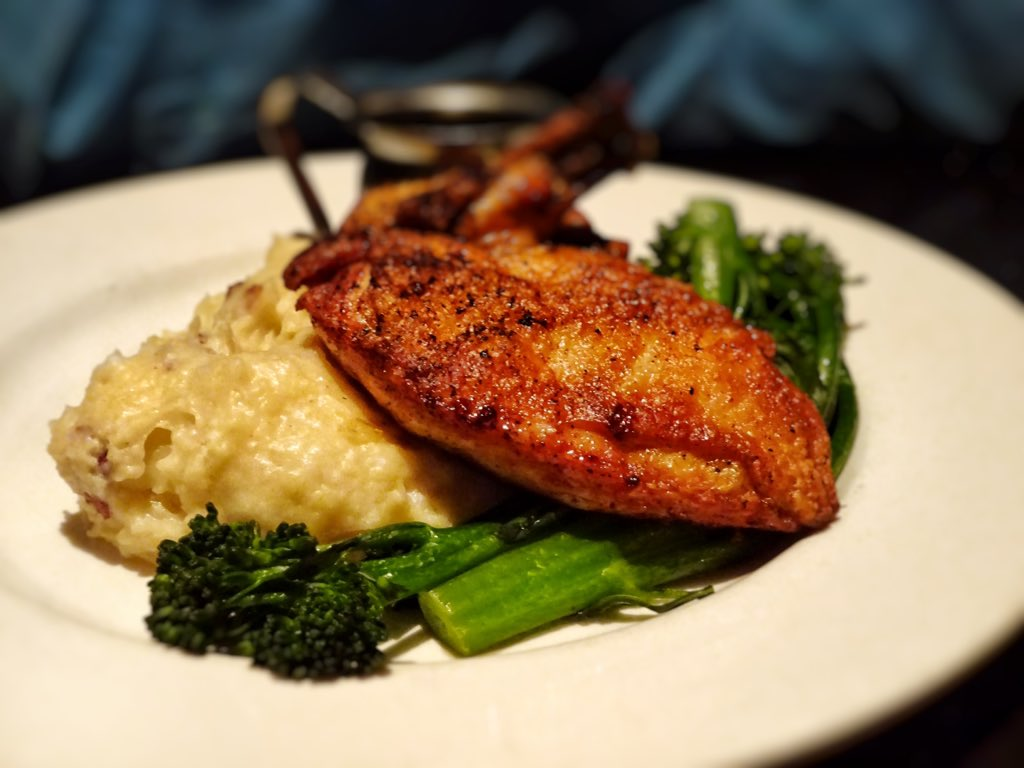 Twitter post: RT @aj_alzuhari: Supreme chicken breast – garlic mashed…Read more. Opens full post in an overlay