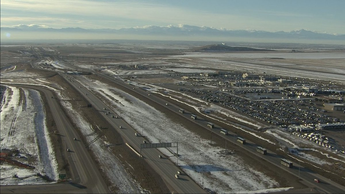 SB50 champs are leaving DIA and on their way to Dove Valley HQ where fans are waiting!