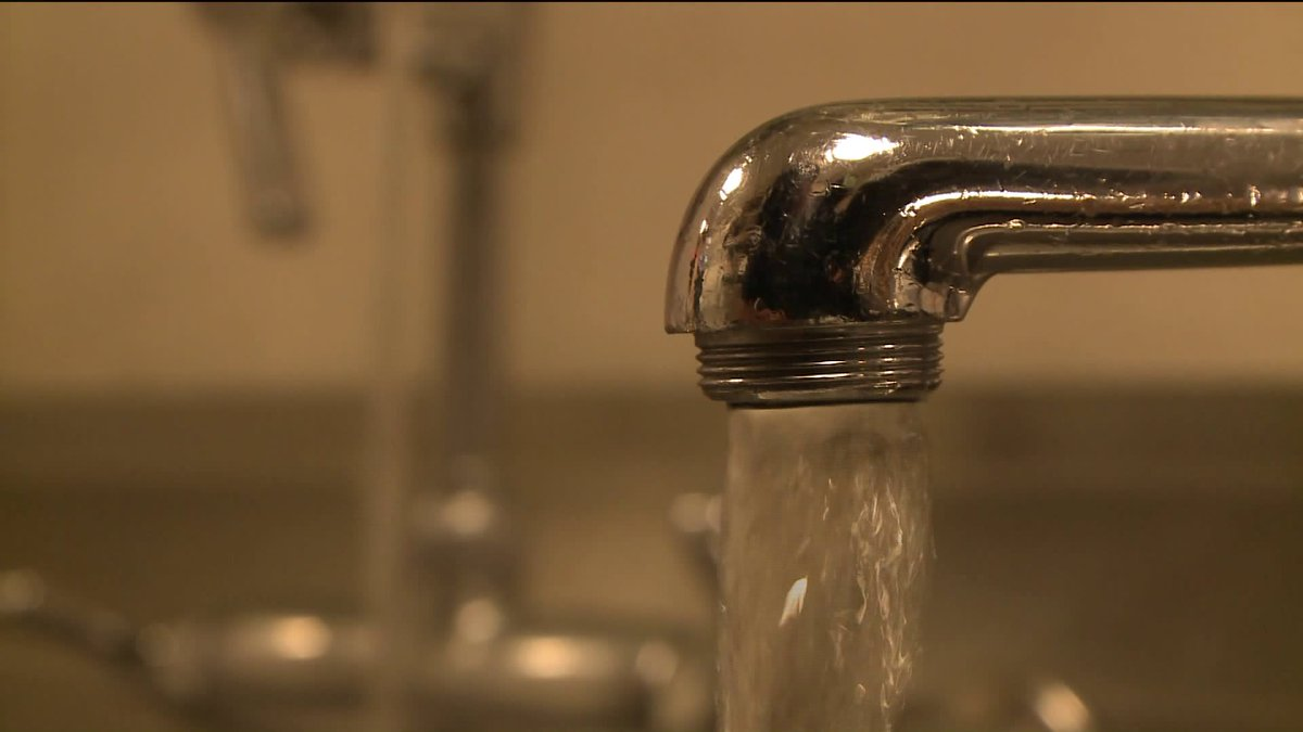 Tribune investigation: City fails to warn Chicagoans about lead risks in tap water