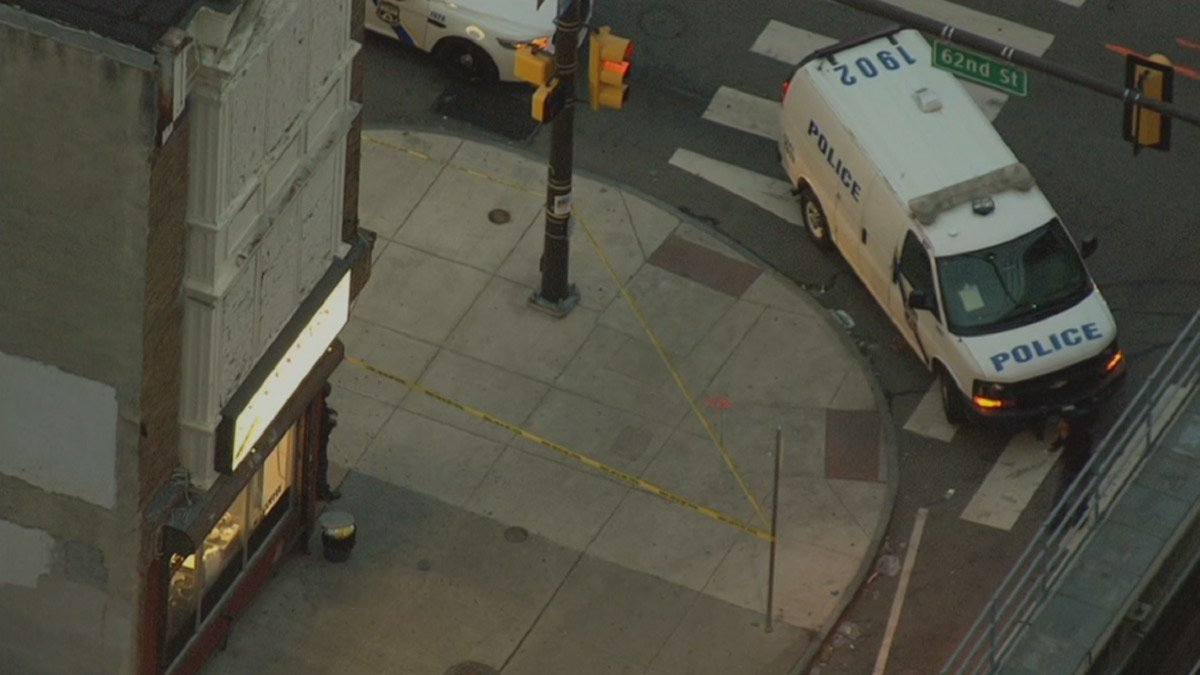 Gunman shoots, kills man in Philadelphia