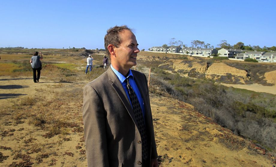 Editorial: California Coastal Commission director should stay.