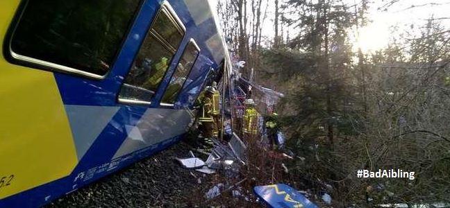 Σύγκρουση τρένων στη Βαυαρία με 4 νεκρούς και 150 τραυματίες