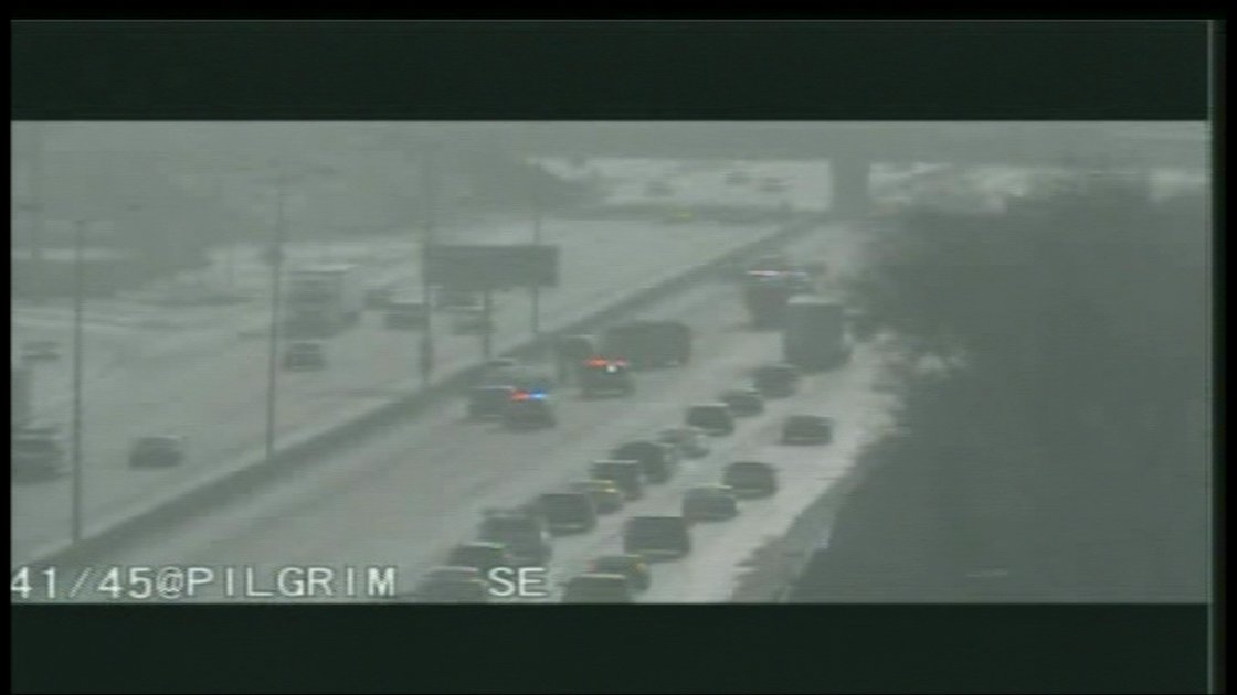 I-41 lanes blocked at Pilgrim Road