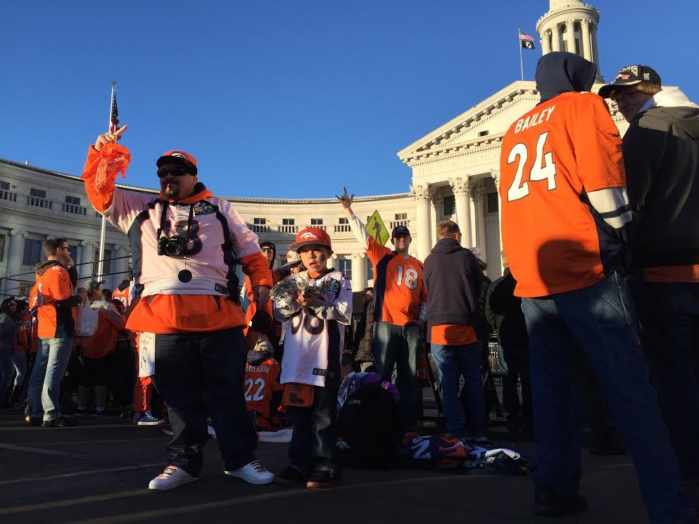 Fans starting to arrive for SB50 BroncosParade in Denver