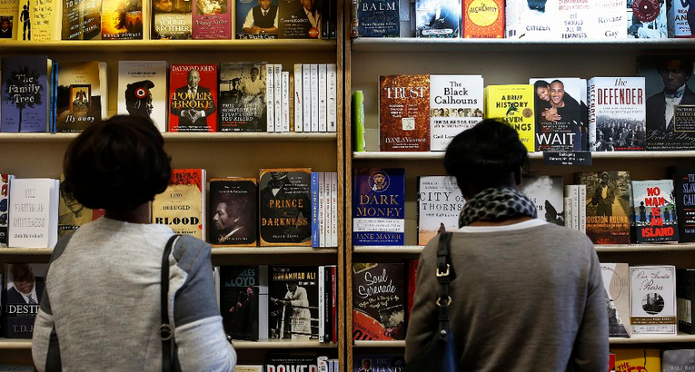 Paper vs. pixels: 92% of college students prefer print books to e-books, study finds