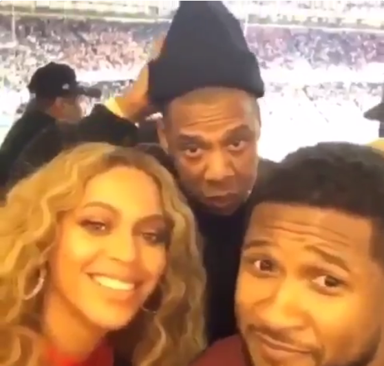 WATCH: Jay Z has no clue what Snapchat is, so Usher explains it to him