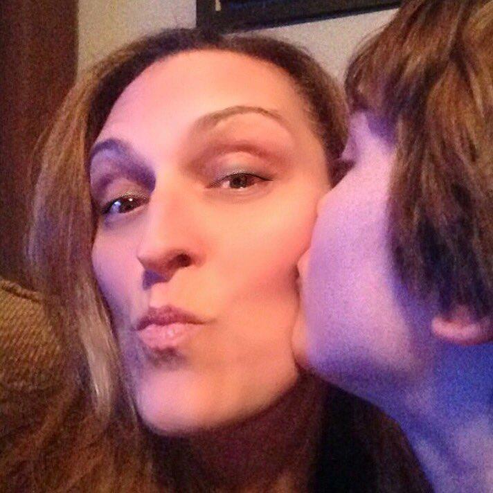 #KissCancerGoodbye https://t.co/16ono89RP9