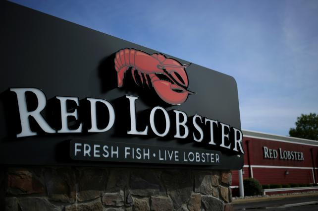 . @RedLobster belatedly enjoys the @Beyonce bounce, just in time for Lobsterfest https://t.co/6tJ5XRG904 https://t.co/tdUPziJNVO