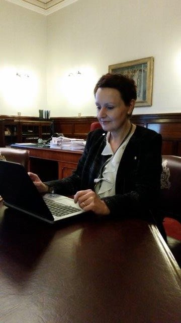 Chief Exec Annemarie O'Donnell answering your questions on council budget live tonight. #AskAnnemarie https://t.co/TaX4dScfHx