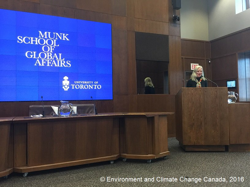 Loved talking to students @munkschool about Canada's next steps on #climatechange. #ClimateGC https://t.co/SOLs613ibc