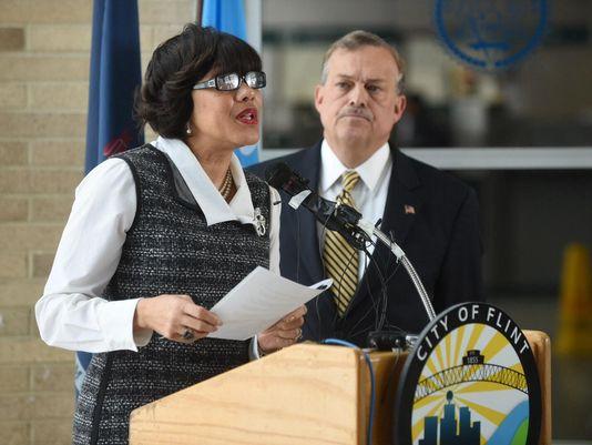 Flint mayor announces lead pipe removal plan FlintWaterCrisis