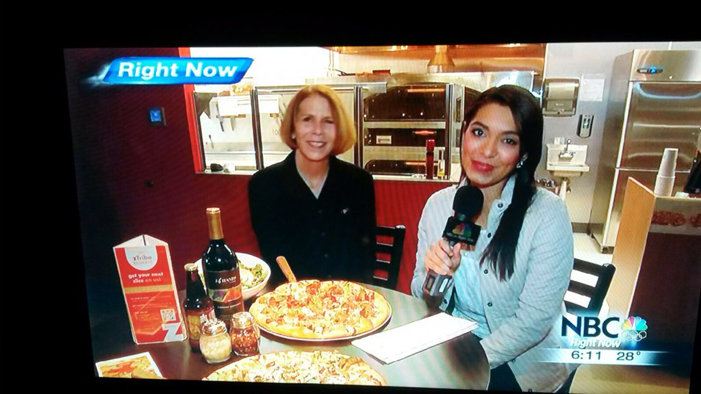 Great shot of @KNDUTV's visit to #zpizza #kennewick for #NationalPizzaDay! Thank you for coming! https://t.co/Ol0YuwZW8x