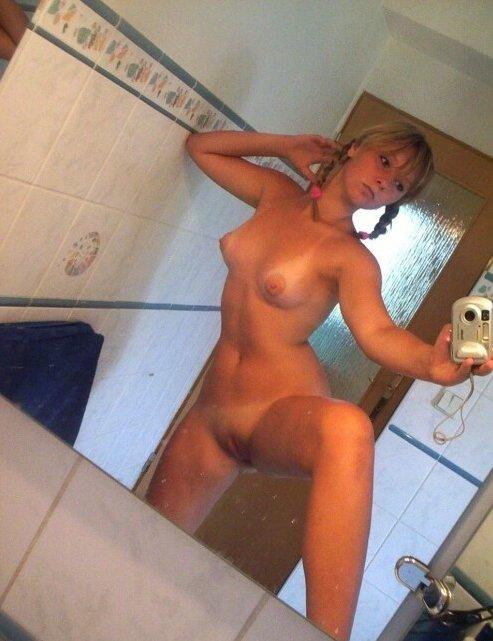 Nude Selfie 11