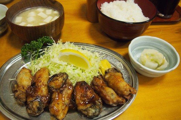 秋葉原「とんかつ万平」のかきバター焼きが、ウマすぎて無言になる!薄くまとった衣に、ちょっと甘めのソースが染みこんでいる。外側のカリッとした食感と、カキのぽてっとしたジューシーさが最高!r.gnavi.co.jp/g-interview/en… pic.twitter.com/0epdjSkIlW
