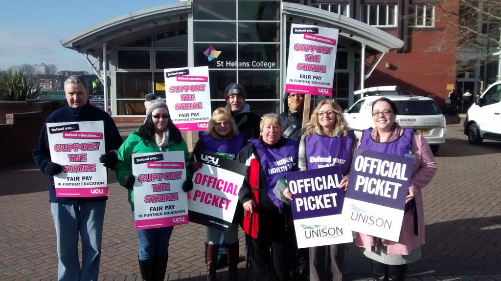 In Parliament today but supporting staff from @StHelensCollege in their @NorthWestUNISON & @ucu picket #FairPayInFE https://t.co/R3XNBMCaT7