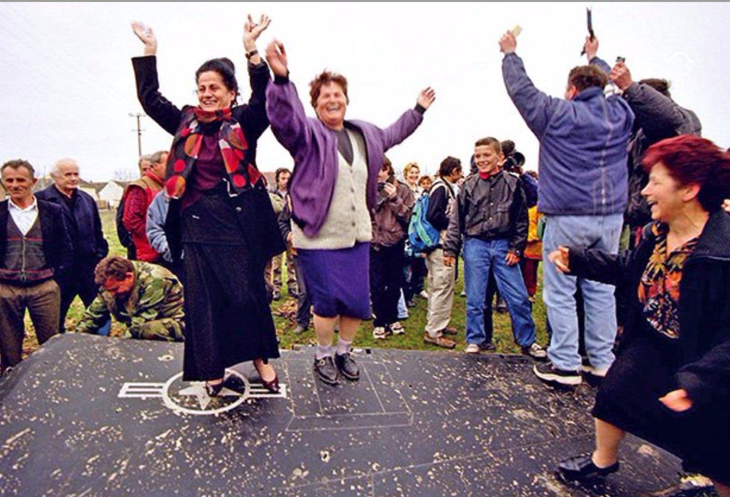 1999 NATO bombing of Yugoslavia Cb1FukjW4AE9_f6