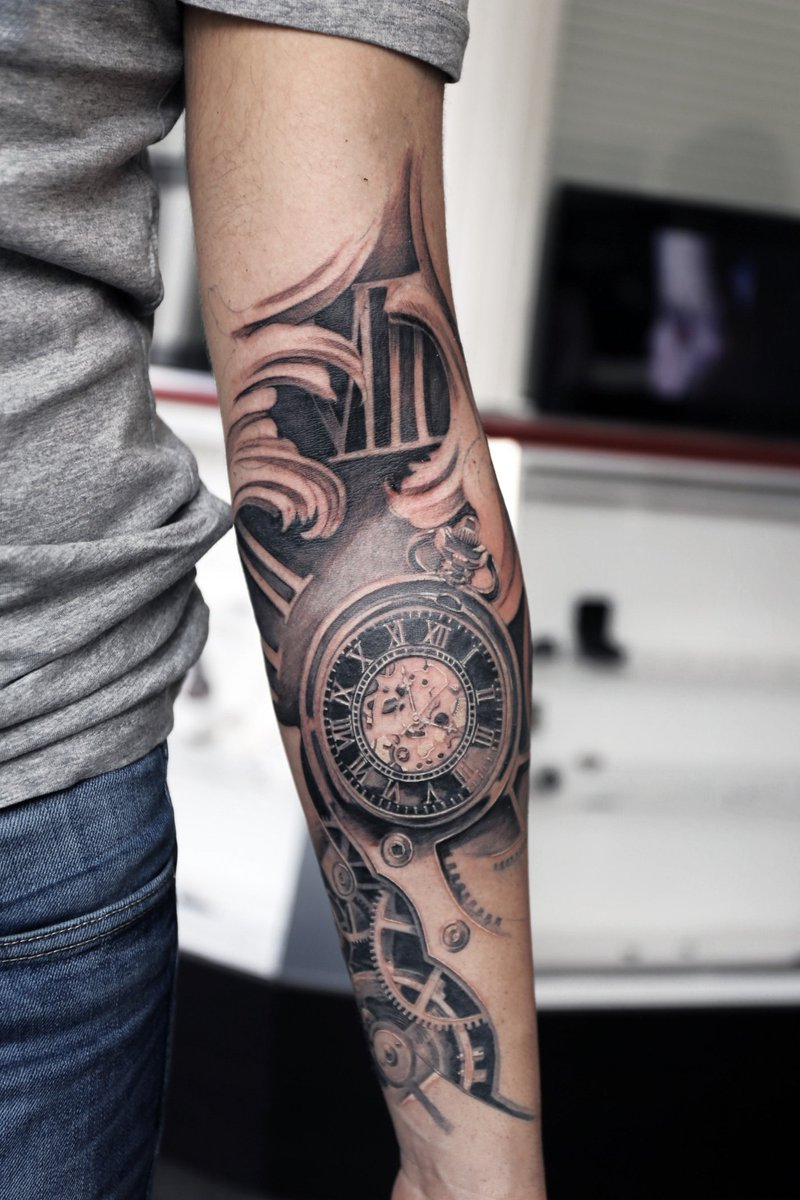 Tatouage horloge galerie tatouage - Tatouage horloge signification ...
