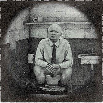 Odnaleziono teczki TW Balbina.  Jarosław Kaczyński też SIEDZIAŁ!!!  #Kaczyński #SzafaRydzyka #teczki #PiS https://t.co/HvqDMC3S6X