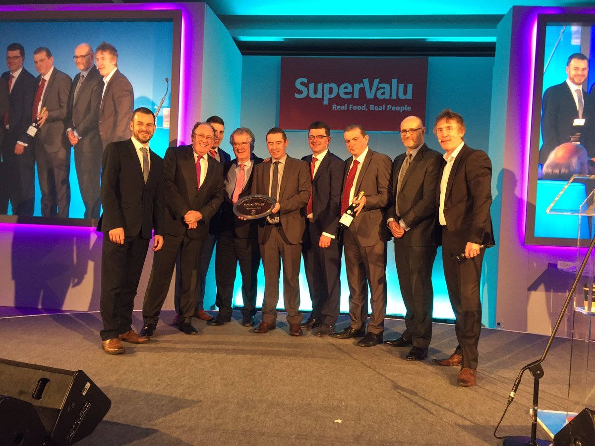 The overall winner of @SuperValuIRL store of the year 2016 is @DingleGarveys. Congratulations!!! https://t.co/boieta7TGS