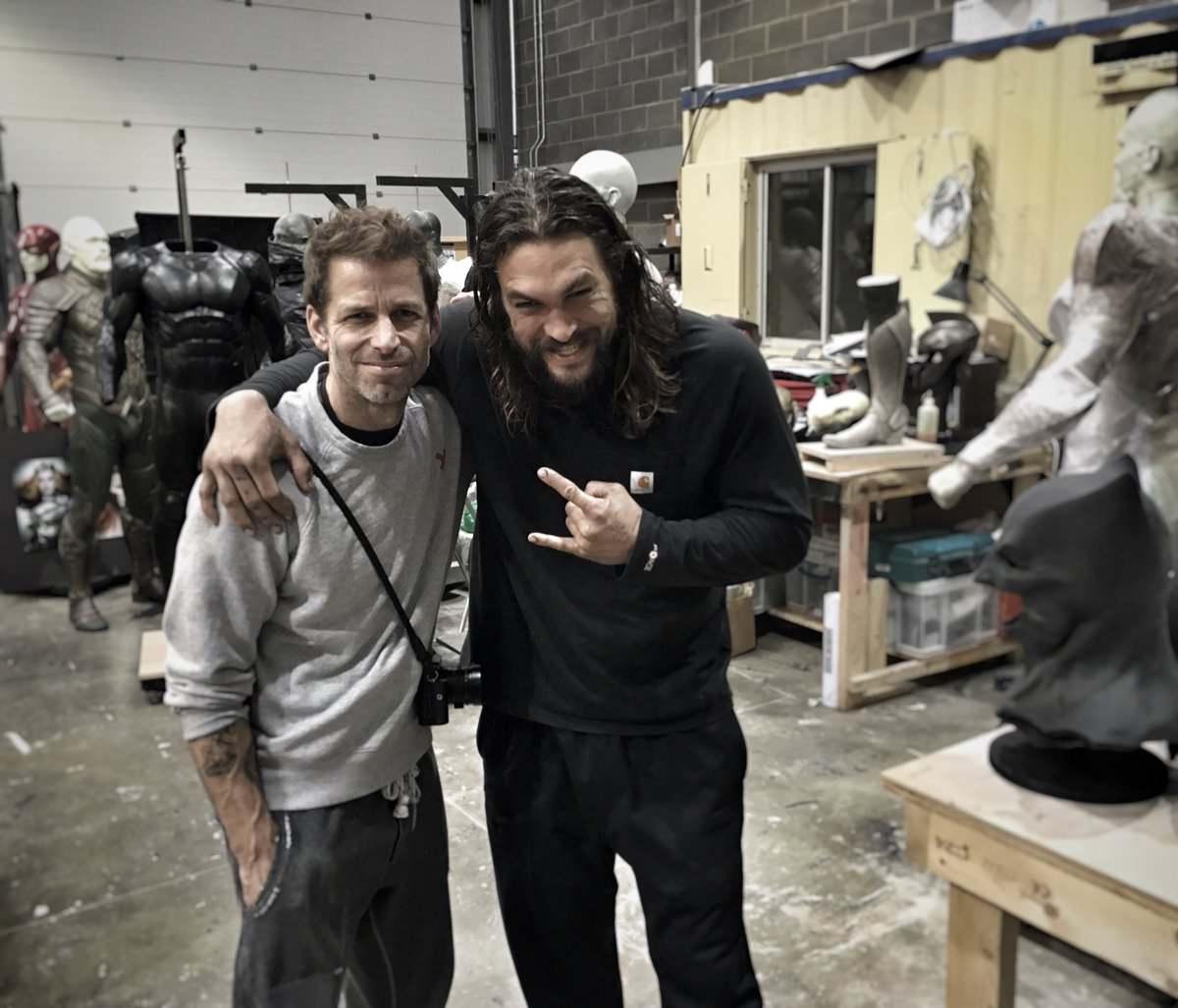 This behind-the-scenes 'Justice League' photo teases a lot of superheroes