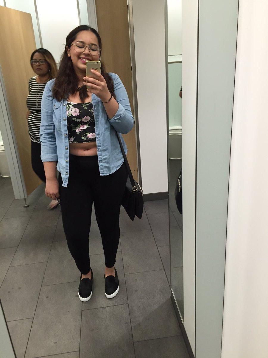 a2035e626b413 Chubby girls CAN wear crop tops 💓 💚 💛 💖 🙂   bodyposipic.twitter.com luK7h67ePt