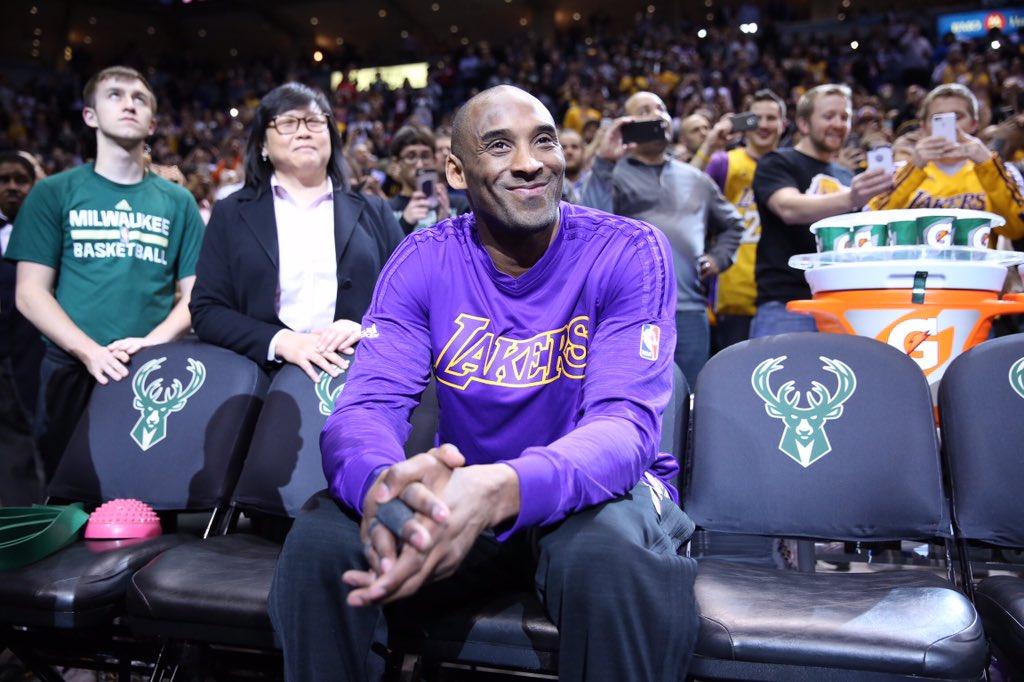 Kobe最信赖的人之一!老大到哪打球都帶著她,一直被誤認為粉絲!