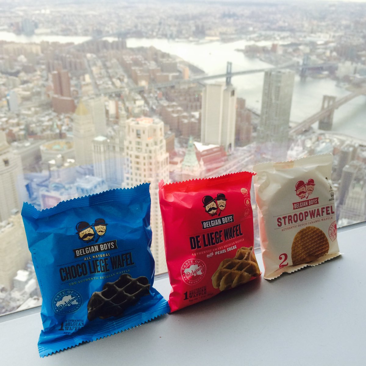 From the top of the world to your tastebuds! @lovewithfood #belgianboys #skinnyandchubby #deliege #stroopwafel #NYC<br>http://pic.twitter.com/iCbZTZ6EWs &ndash; à One World Trade Center
